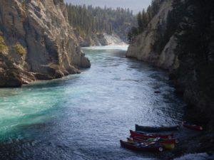 kootenay river canoeing scene