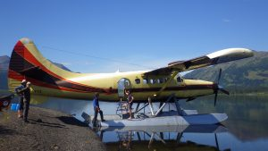 flights in to tuaton lake
